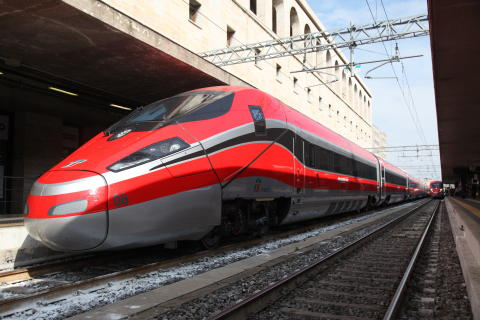 Hitachi and Bombardier will supply 14 very high-speed Frecciarossa 1000 trains to Italy