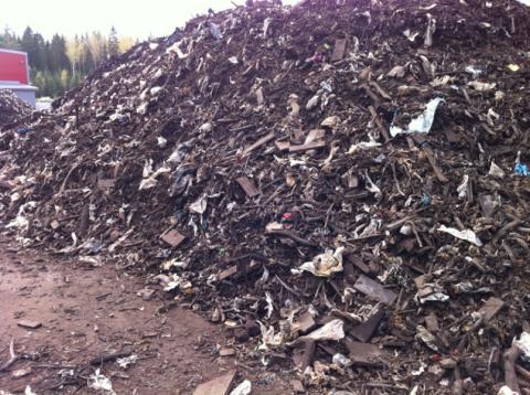 2011-10-11 Sortera plast ur kompost