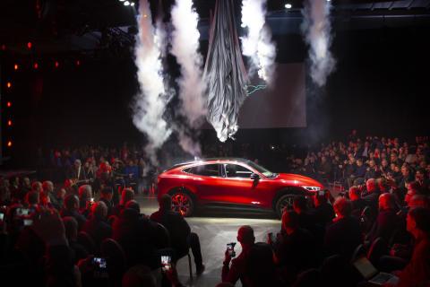 Superstart for Fords nye helelektriske SUV Mustang Mach-E i Oslo