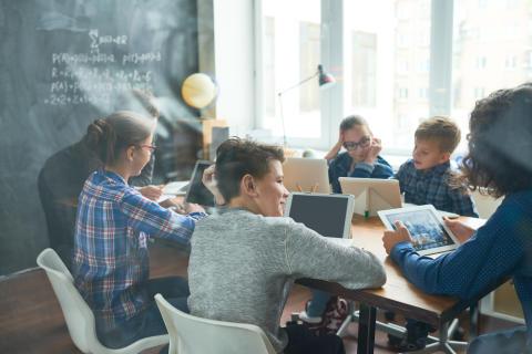 Digitalisierung für Alle: Santander bietet Eltern eine 0% Finanzierung