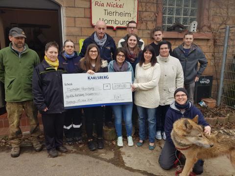 Karlsberg Azubis spenden 1000 € für den guten Zweck