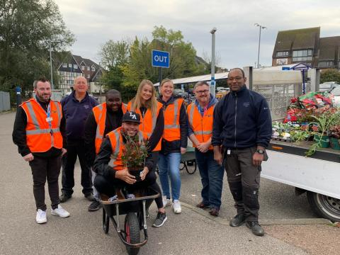 New planters brighten up Potters Bar station