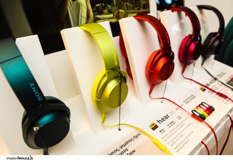 Η νέα σειρά ακουστικών h.ear on της Sony εντυπωσίασε στο 18ο Athens Xclusive Designers Week
