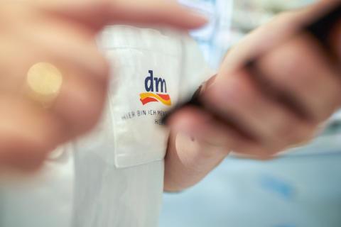 dm-Mitarbeiter
