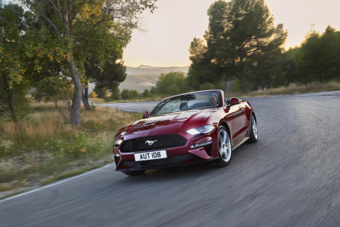 FORD MUSTANG 2017 (3)