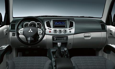 Mitsubishi L200 2010 Instrument