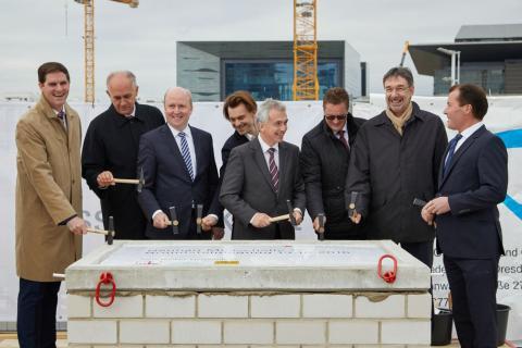 Messe Frankfurt: Grundsteinlegung für die neue Messehalle 12
