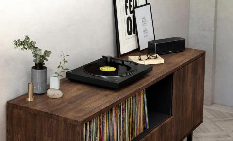 Poustvarite klasičen zvok vinilnih plošč brezžično z novim Sonyjevim gramofonom PS-LX310BT