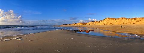 © Sylt Marketing  l Holger Widera_Spaziergang am Weststrand