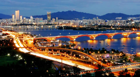 Seoul_at_night_2000x1100