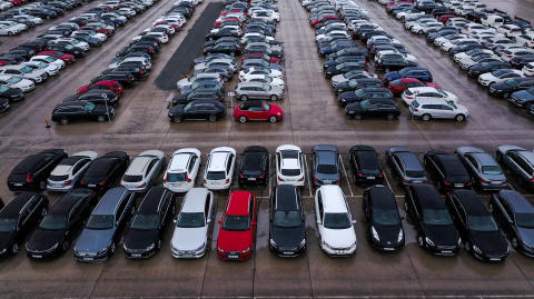 Försäljningen av begagnade personbilar minskade med 0,2% i november
