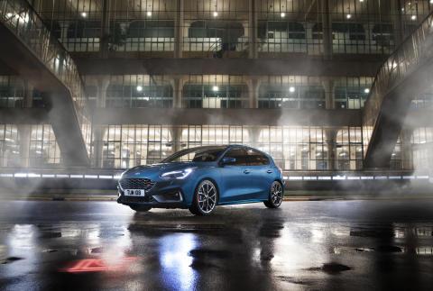 Ford oznámil ceny nového Focusu ST pro Českou republiku!
