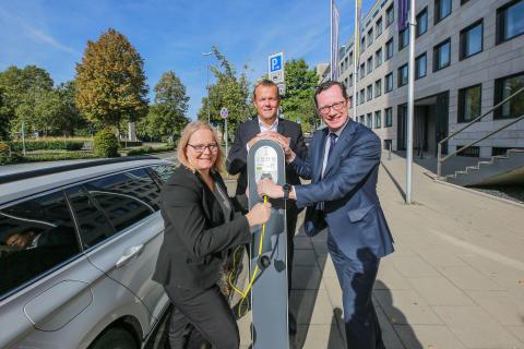 Eröffnung der E-Ladesäule in Essen