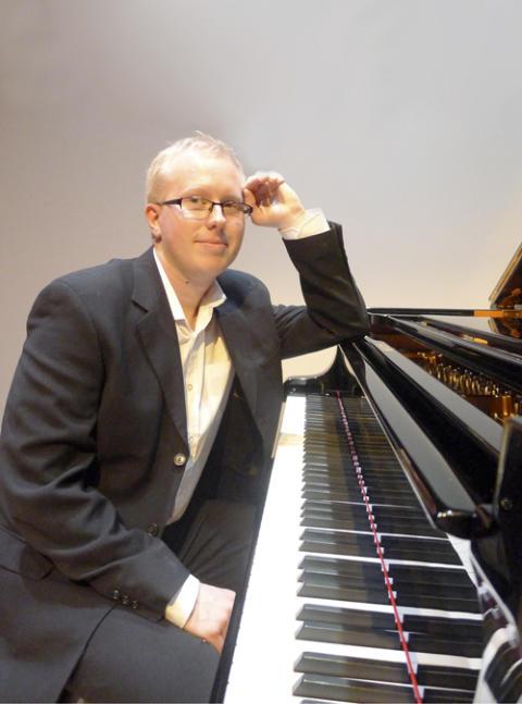 Klingande bilder och berättande toner med diplompianisten Jesper Olsson