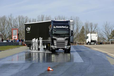 Fahrsicherheitstraining mit Scania