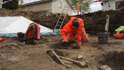 På sporet af Konge Erik Ejegod! Særomvisning i arkæologiske udgravning i Slangerup