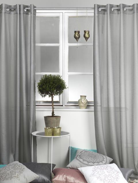 Curtain Bella