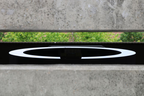 Felix Peter, Round Table in Concrete