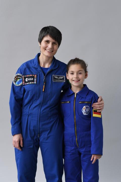 •Die ESA-Astronautin Samantha Cristoforetti, die einzige aktive Astronautin in Europa, wurde im Rahmen des Barbie Dream Gap Projekts als Vorbild für Mädchen vorgestellt