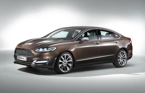 Ford Mondeo Vignale Concept_sedan sida framifrån