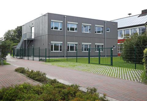 Bild zu: Algeco überzeugt mit ästhetischem Modulbau für Gesamtschule