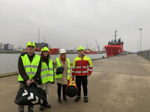 2020 11 12 The Morell family on the quay in front of the 'Esvagt Cantana' - credits Judith Morell