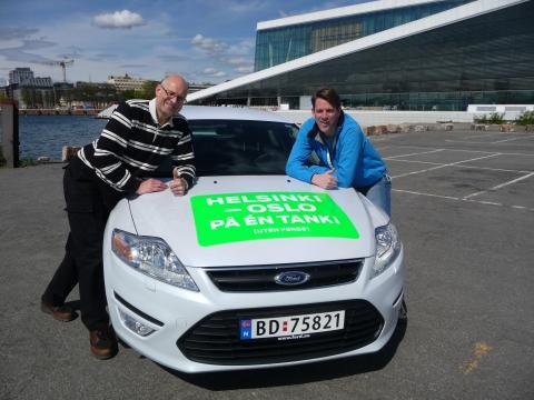 Knut Wilthil og Henrik Borgrevinck kjørte 2536,4 km på en tank diesel med en ordinær Ford Mondeo ECOnetic.