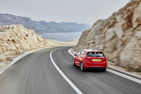 FORD_FIESTA_ST-LINE_34_REAR_DRIVING