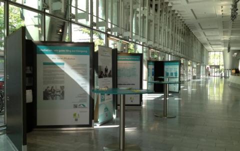 """""""Mediation - ein guter Weg zur Einigung"""": Wanderausstellung in der Sparkasse Mittelthüringen"""