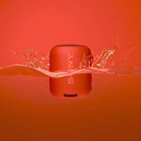 SRS_XB12_Package_water_red-Mid
