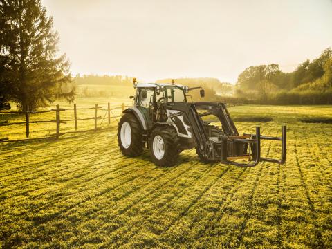 Dekkmann med storsatsing på landbruksdekk
