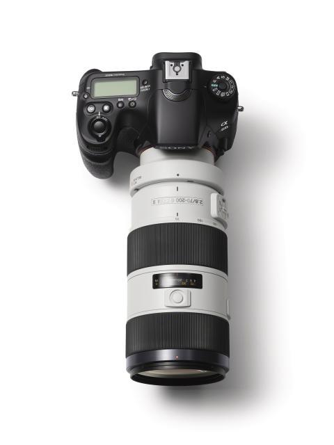 SLT-A68_SAL-70200G von Sony_01