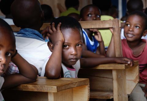 Öresundskraft stödjer solceller till skola i Uganda