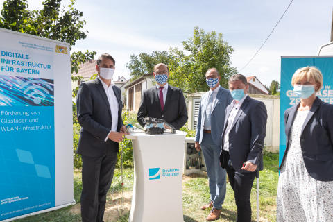 So funktioniert Digitalisierung in Bayern: Privat und Staat – Hand in Hand für flächendeckenden Glasfaserausbau