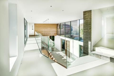 Familienhaus mit Kebony Fassade und außergewöhnlicher Architektur