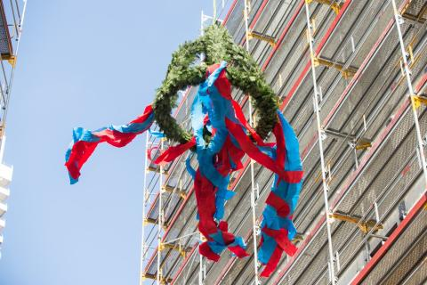 Erlebnisresort a-ja Travemünde und Ferienapartmenthaus High End feiern gemeinsam Richtfest
