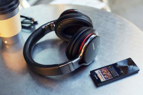 Kabelloser Hörgenuss mit vier neuen Bluetooth-Kopfhörern von Sony
