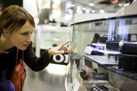 Ny forskning: Digitala produktupplevelser kan sudda ut gränserna mellan fysisk och digital handel
