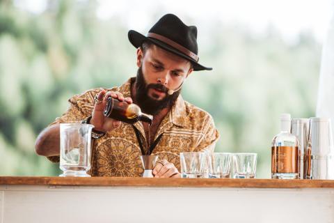 Raphael Redant från Australien vann Hernö Gin Cocktail Awards 2019 med cocktail smaksatt med myror och hav.