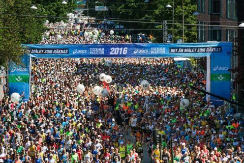 De fyra milen lockar – intresset för Asics Stockholm Marathon ökar