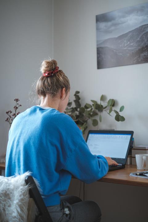 Privater Unfallschutz im Home Office essentiell
