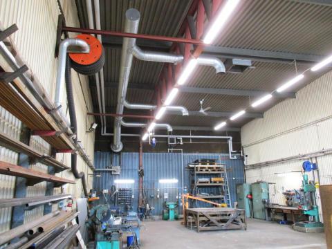 Smedjan får ny belysning - Smålandshamnar Oskarshamn fortsätter miljösatsatsning med LED-limpan industri