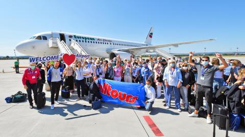 Flugpartner European Air Charter brachte Expis ans Schwarze Meer