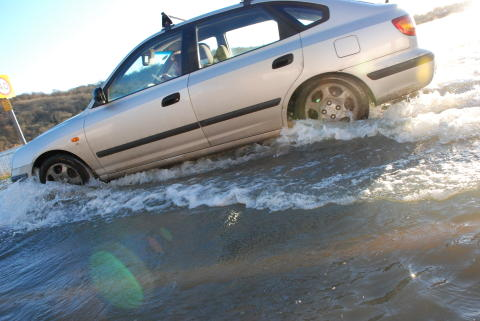 One in 20 motorists admit to breaking down after driving into floodwater