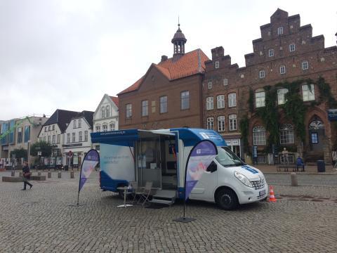 Beratungsmobil der Unabhängigen Patientenberatung kommt am 27. September nach Husum.