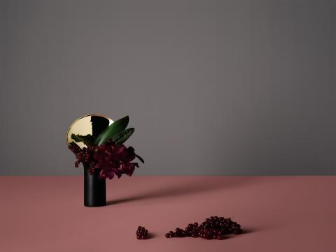 Rosenthal Vase Fondale achieves an iF Design Award 2018