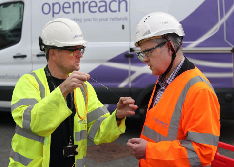 Stuart McMillan MSP connects with high-speed broadband