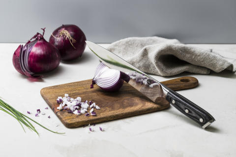 Knives_1948_Chef-Knife-WC20CK_w_onion_landscape