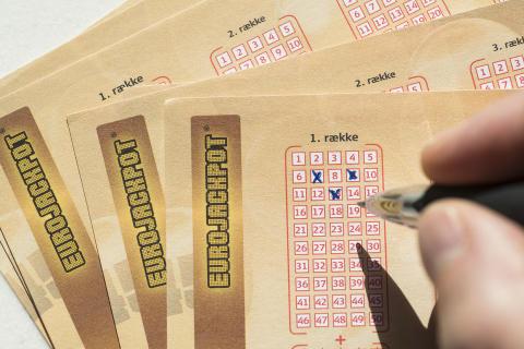 Eurojackpotmillionær: Jeg savner et job og en kæreste