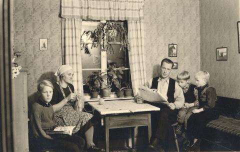 Hemma hos Torbjörn, klass 6, Skucku folkskola, Jämtland. nlrzdlpinnibrfxbpkps